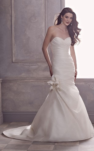 Cheap wedding dresses with black trim