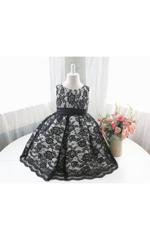 Scoop Neck Sleeveless A-line Lace Tea Length Dress With Sash