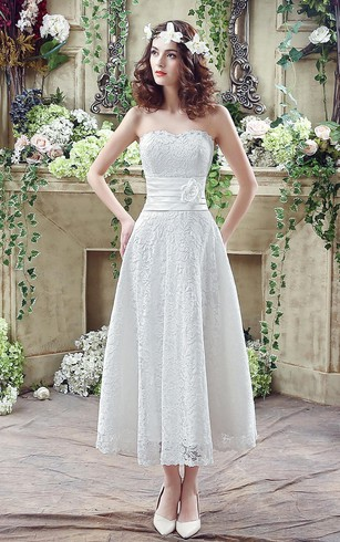 Delicate Lace Flower Strapless 2018 Wedding Dress A Line Sleeveless Up
