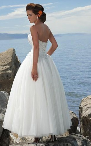 A-line Strapless Tulle Wedding Dress