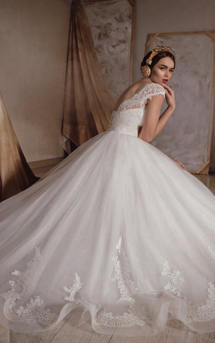 Long A-line Organza Wedding Dress With Lace Bodice And Appliques
