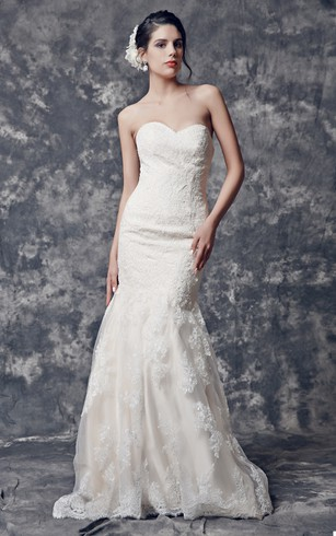 Glittering Strapless Backless Mermaid Lace Wedding Dress