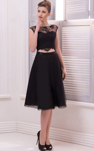 A-Line Knee-Length Bateau Short Sleeve Tulle Lace Pleats Keyhole Dress