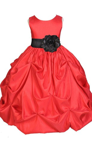 Sleeveless Ruffled A-line Dress With Bow and Flower