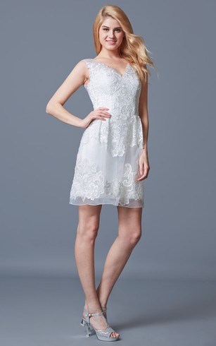 Elegant Sleeveless A-line Short Lace Dress With Pleats
