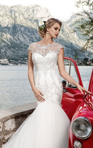 Trumpet Floor-Length Jewel-Neck Cap-Sleeve Corset-Back Tulle Dress With Appliques