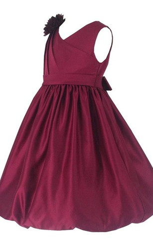 Sleeveless V-neck Pleated Dress With Flower and Bow