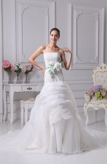 33d663f810 Sleeveless A-Line Appliqued Floral Bow and Gown With Beading