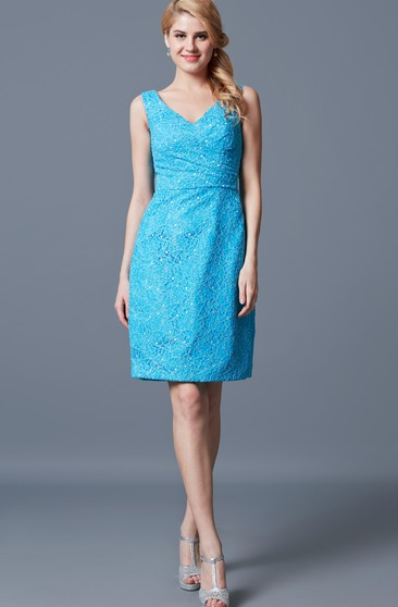 Demure Sleeveless V-neck Sheath Short Lace Dress