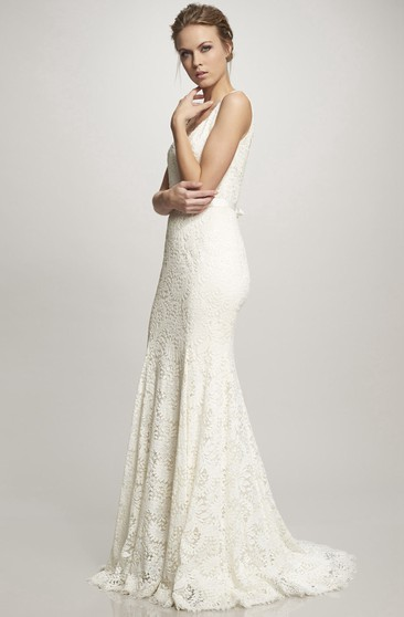 V-Neck Floor-Length Bowed Lace Wedding Dress With Brush Train