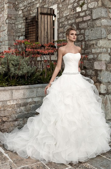 Sleeveless Ruffled A-line Organza Wedding Dress With Ruching