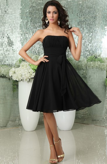 Strapless Knee-Length Chiffon Dress With Bow