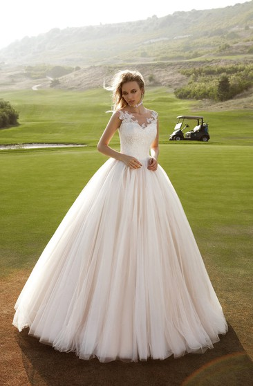 Ball Gown Floor-length V-neck Illusion Back Appliques Tulle Dress