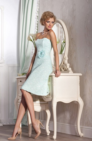 A-Line Knee-Length Strapless Sleeveless Lace Ruching Flower(S) Zipper Dress