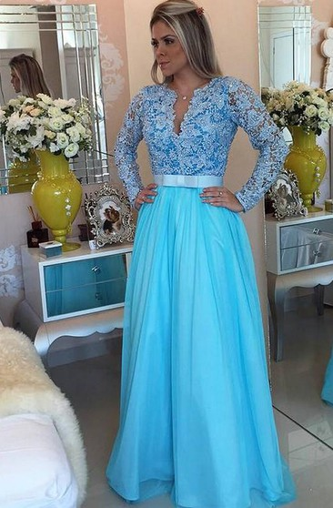 A-line Long Sleeves V-neck Tulle Applique Floor-Length Dresses