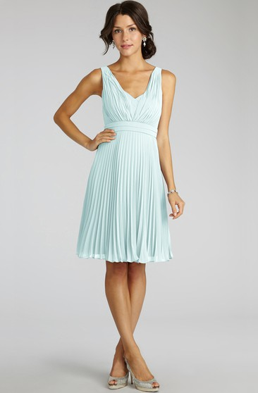Chiffon A-Line Sleeveless V-Neck Dress With Pleats