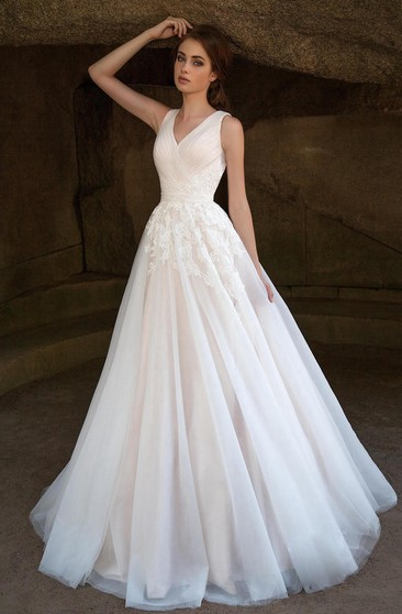 A-Line Floor-Length V-Neck Sleeveless Deep-V-Back Tulle Dress With Ruching And Appliques