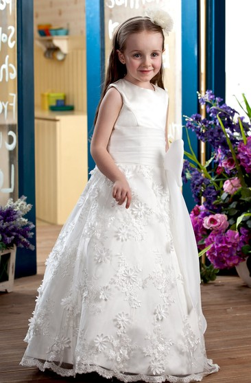 High-Neck Ruched A-Line Flower Girl Dress With Lace Appliques