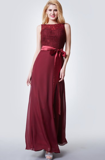 Brilliant Bateau Neck Form-fitted Chiffon Gown With Satin Sash