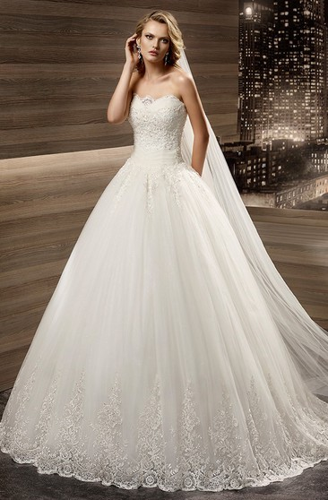 Weddind Dress with Pleated Waist Strapless a Line