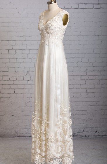 Beautiful Dress With Hemlines And Lace Bodice