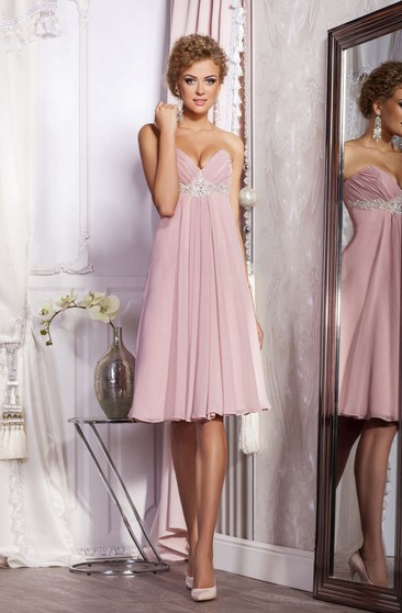 A-Line Knee-Length Sweetheart Sleeveless Empire Chiffon Pleats Beading Zipper Dress