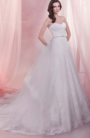 Long Sweetheart A-line Lace Wedding Dress With Detachable Train