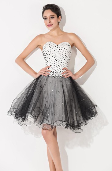 9538761aeed Glamorous Tulle Black and White Homecoming Dress Sweetheart Sleeveless With  Beadings