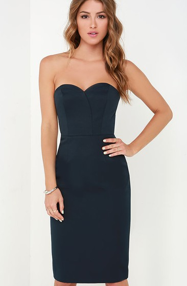 Knee-Length Fitted Form Sweetheart Dress