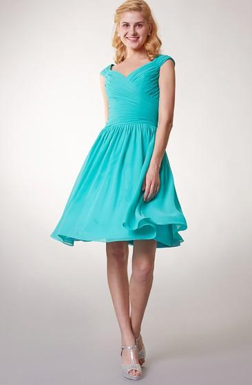 e5a9301d5a2 Short Cap Sleeved V-neck Chiffon Dress With Crisscross Ruching