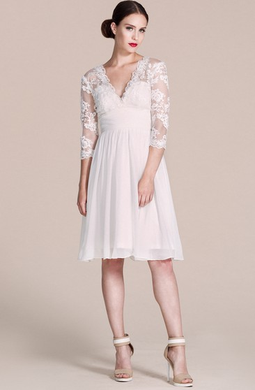 3-4 Sleeved V-neck Knee-length Dress With Lace