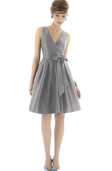 A-Line Knee-Length V-Neck Sleeveless Satin Dress with Bow and Ruching