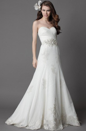 Ruched Crisscross Sweetheart A-Line Organza Dress With Lace Appliques