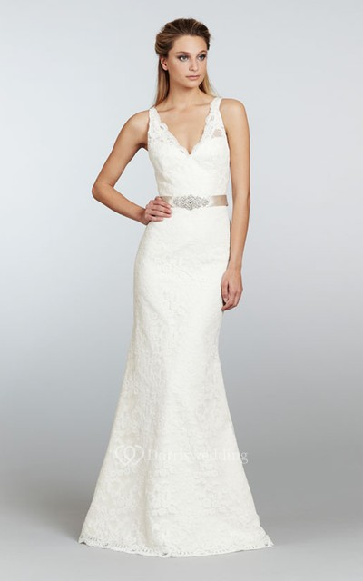 Stunning V-Neck Long Lace Dress With Crystal Ribbon Sash