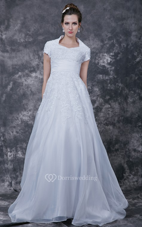 Romantic  Lace-appliqued Organza Wedding Dress With Satin Band - 2