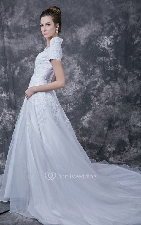 Romantic  Lace-appliqued Organza Wedding Dress With Satin Band - 3