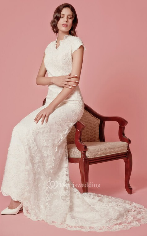 Vintage Inspired Scallooped-Edge Neckline Column Lace Bridal Gown - 4