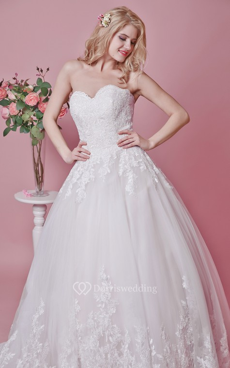 Romantic Sweetheart Floral Lace Applique and English Net Wedding Ball Gown - 5