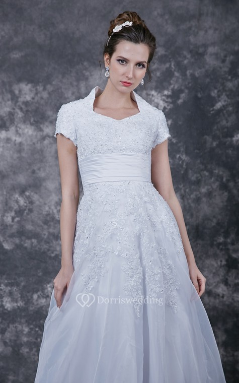 Romantic  Lace-appliqued Organza Wedding Dress With Satin Band - 5