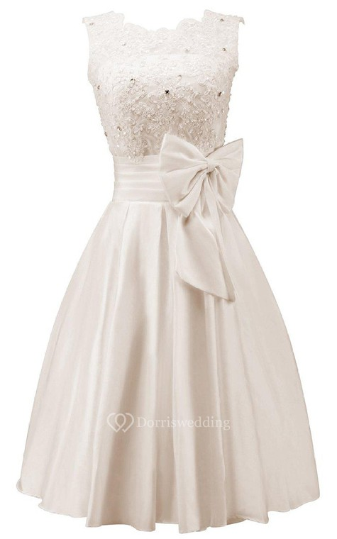 Sleeveless A-line Dress With Bow and Lace - 1