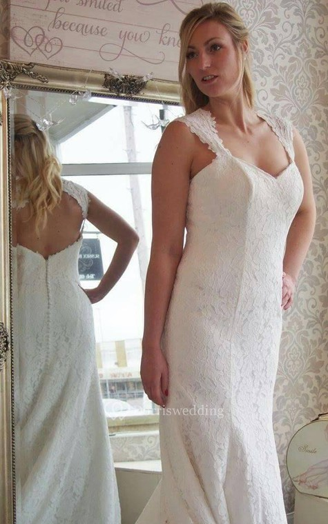 Lace Mermaid Sleeveless Dress With V-Neck and Keyhole Back - 2