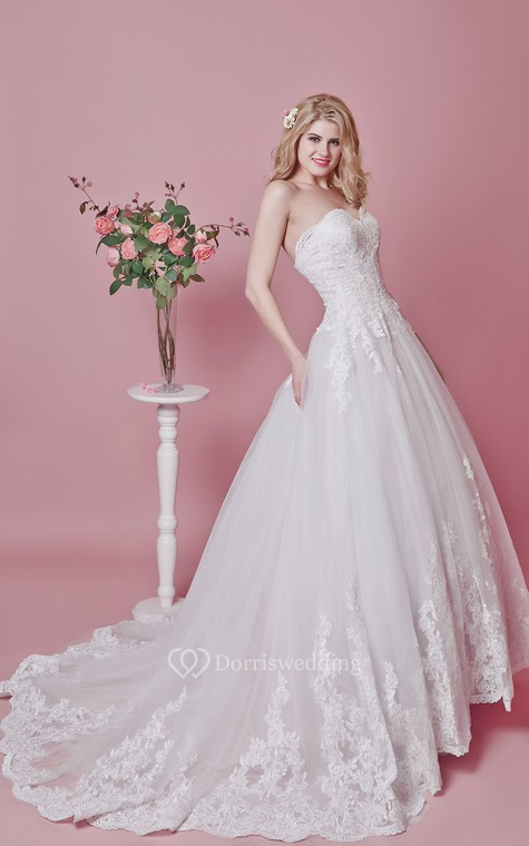Romantic Sweetheart Floral Lace Applique and English Net Wedding Ball Gown - 4