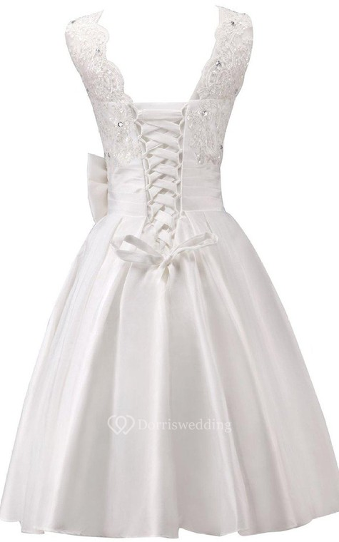 Sleeveless A-line Dress With Bow and Lace - 2