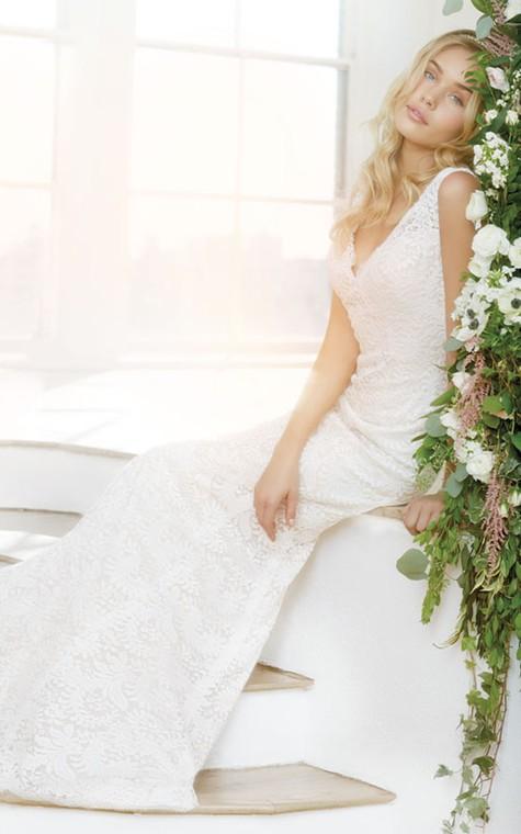 Classic Sleeveless V-Neck Floor Length Lace Dress - 2