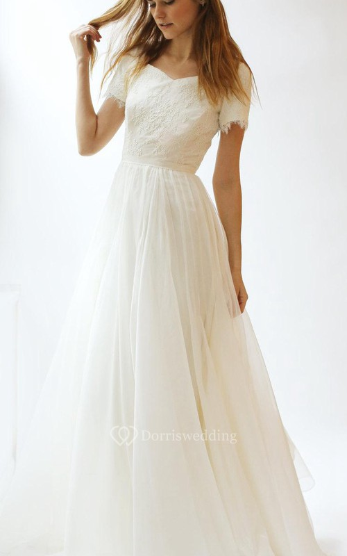 Short Sleeve V-Neck A-Line Lace and Tulle Dress With Pleats