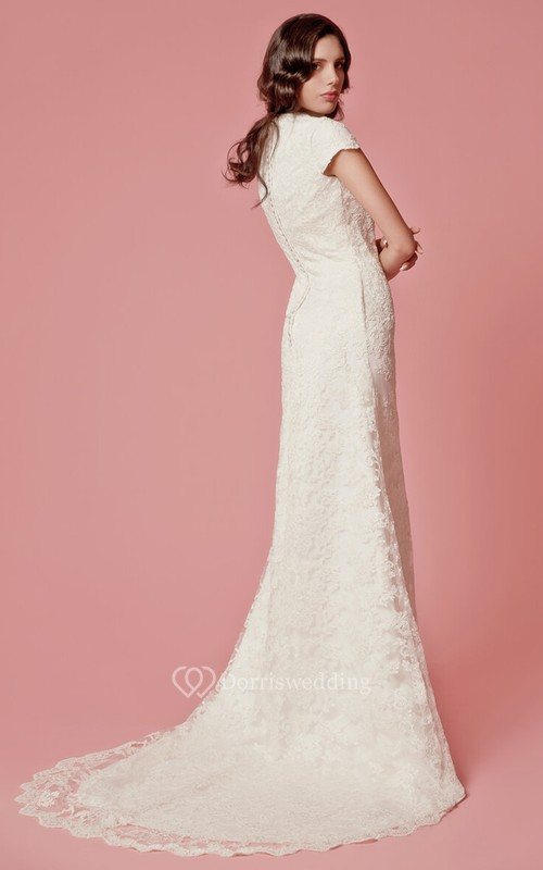 Vintage Inspired Scallooped-Edge Neckline Column Lace Bridal Gown