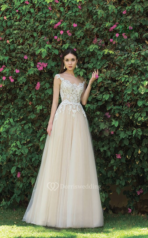 Ethereal Lace and Tulle A-line Scalloped Sleeveless Wedding Gown