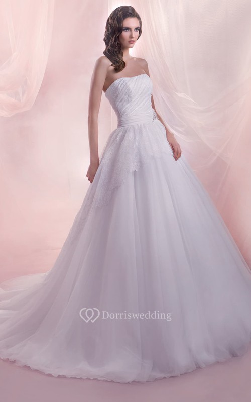 A-Line Long Strapless Sleeveless Lace-Up Tulle Dress With Lace Appliques And Ruching