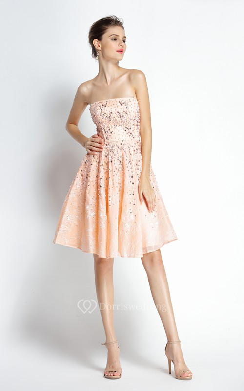 A-Line Knee-length Strapless Lace Sleeveless Prom Dress with Beading