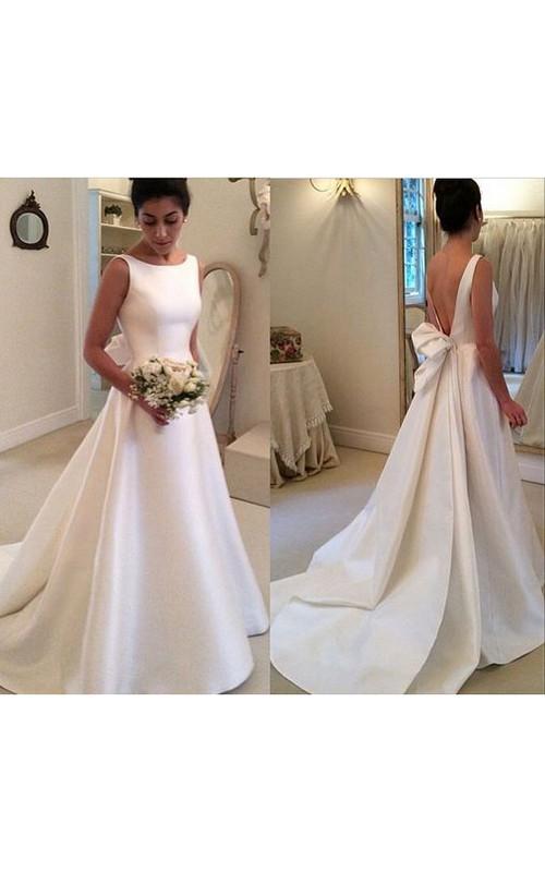 Graceful Bateau Neckline Sleeveless A-line Satin Gown With Deep V ...